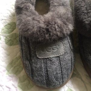 *SOLD*UGG Rylan Cable Knit Slippers Shearling Gray